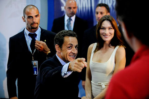 nicolas sarkozy wife. Nicolas Sarkozy with his wife